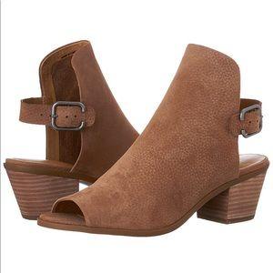 Lucky Brand Bray Dress Sandal Peep Toe    size 9